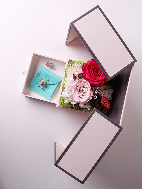 Love in the box ( hot pink ) jewelry box