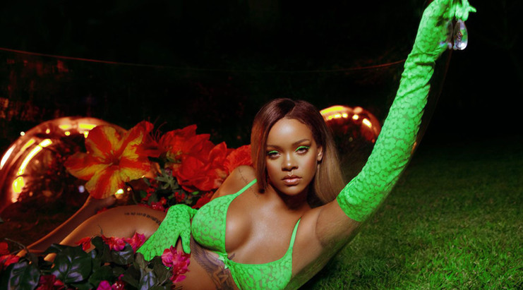 Rihanna-New-Photoshoot-for-Savage-x-Fent