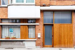 Ramen, deur en poort met glaswerk in afzelia
