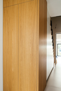 Wandkast inkom in Shinnoki