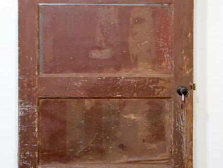 Deur van Nederlands huis waar Joden tijdens de oorlog waren ondergedoken te zien in Yad Vashem