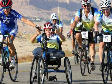 Vandaag is de jaarlijkse ALYN fondsenwerving fietstocht begonnen