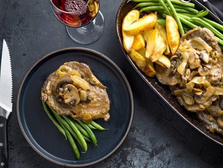 Nieuw koosjer recept  -  biefstuk met ui en champignons