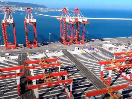 Nieuwe haven van Haifa ingehuldigd -  voor het eerst kunnen schepen tot 18.000 containers lossen