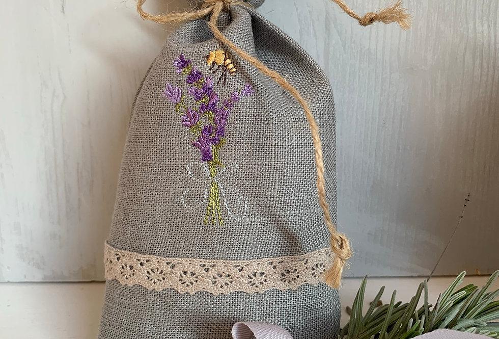 Leinenbeutel mit Lavendelfüllung