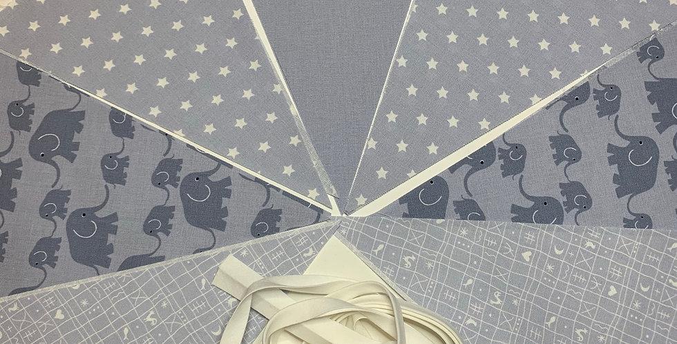 Wimpelkette Elefant grau mit Wunschnamen