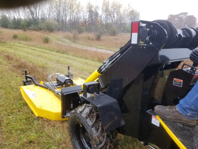 Hummerbee Loader with Mower 2