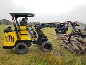 Hummerbee Compact Loader Timber Grab 5