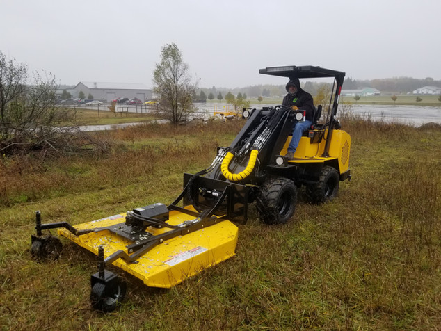 Hummerbee Loader with Mower 6