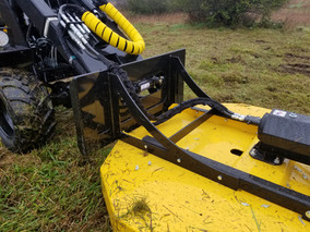 Hummerbee Loader with Mower 5
