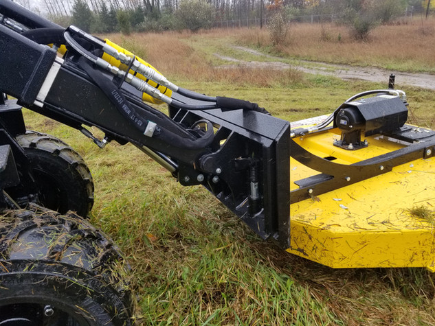 Hummerbee Loader with Mower 4