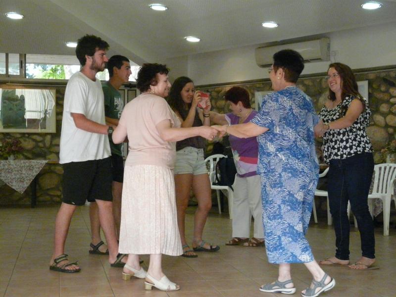 03 dancing