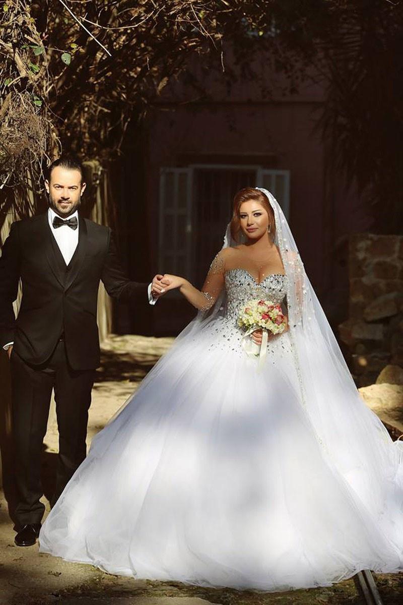 Vestido De Noiva Princesa Com Pedraria Brilho