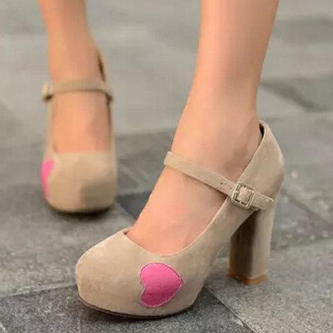 Sapato Mary Jane Romântico
