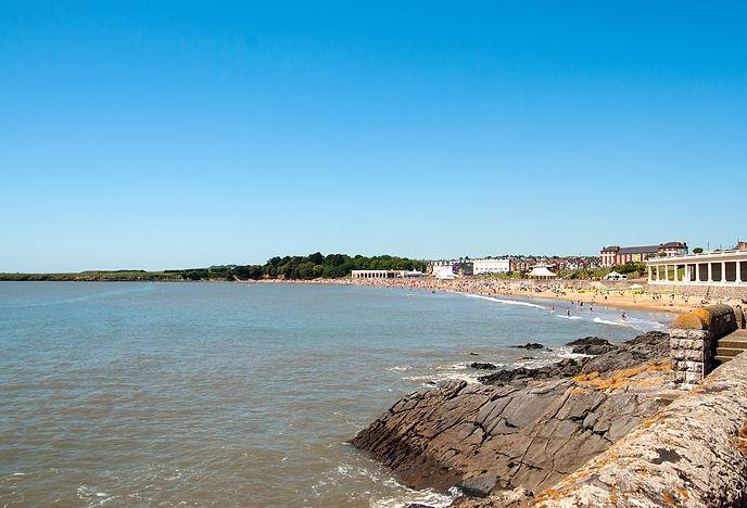 Barry Island beach in Wales, UK.jpg