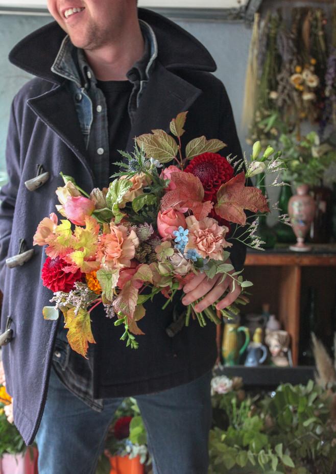 A Bloom + Burn Bridal bouquet