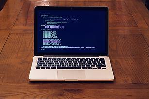macbook-3777665_1280.jpg