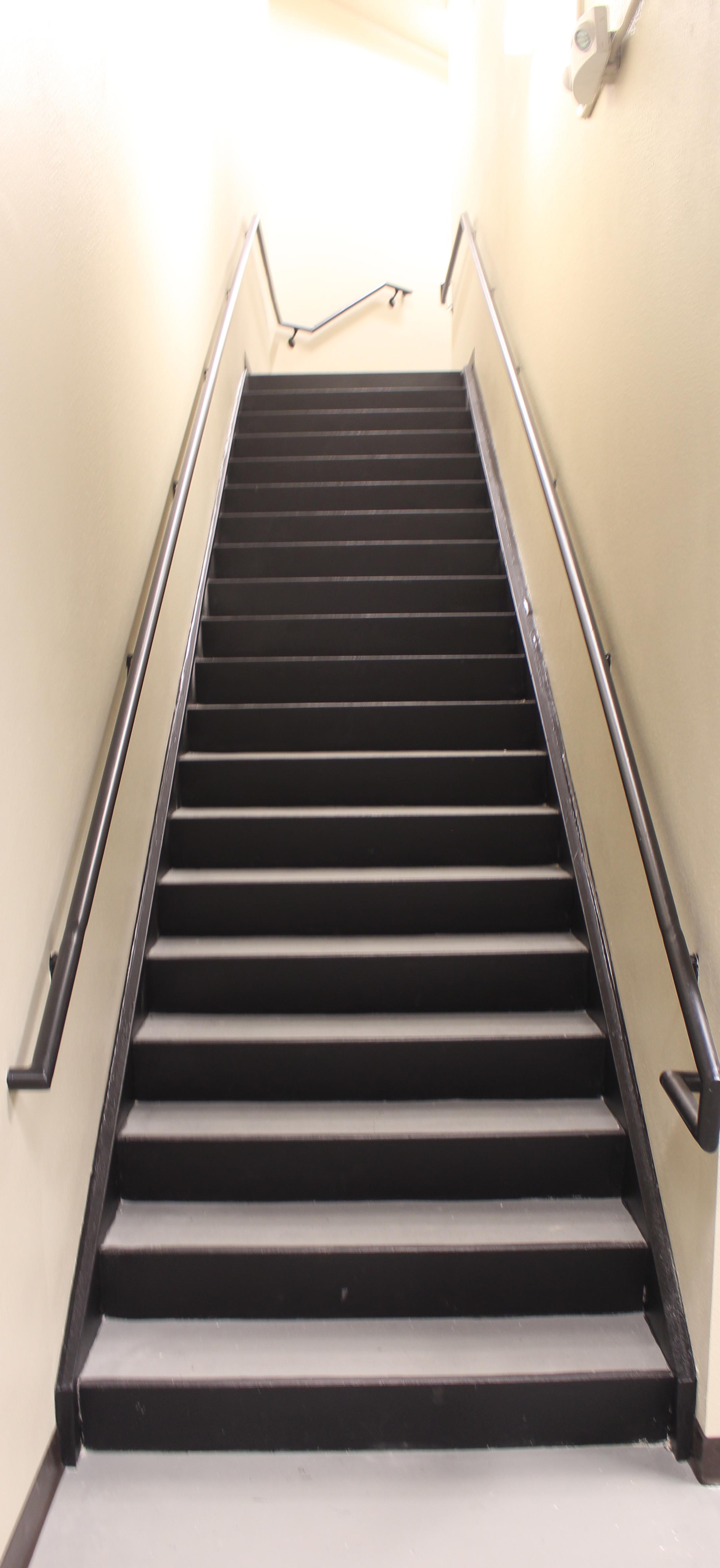 Stairs 1625.jpg