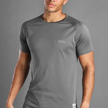 5 Secrets to Looking Great in a T-shirt (For Men)