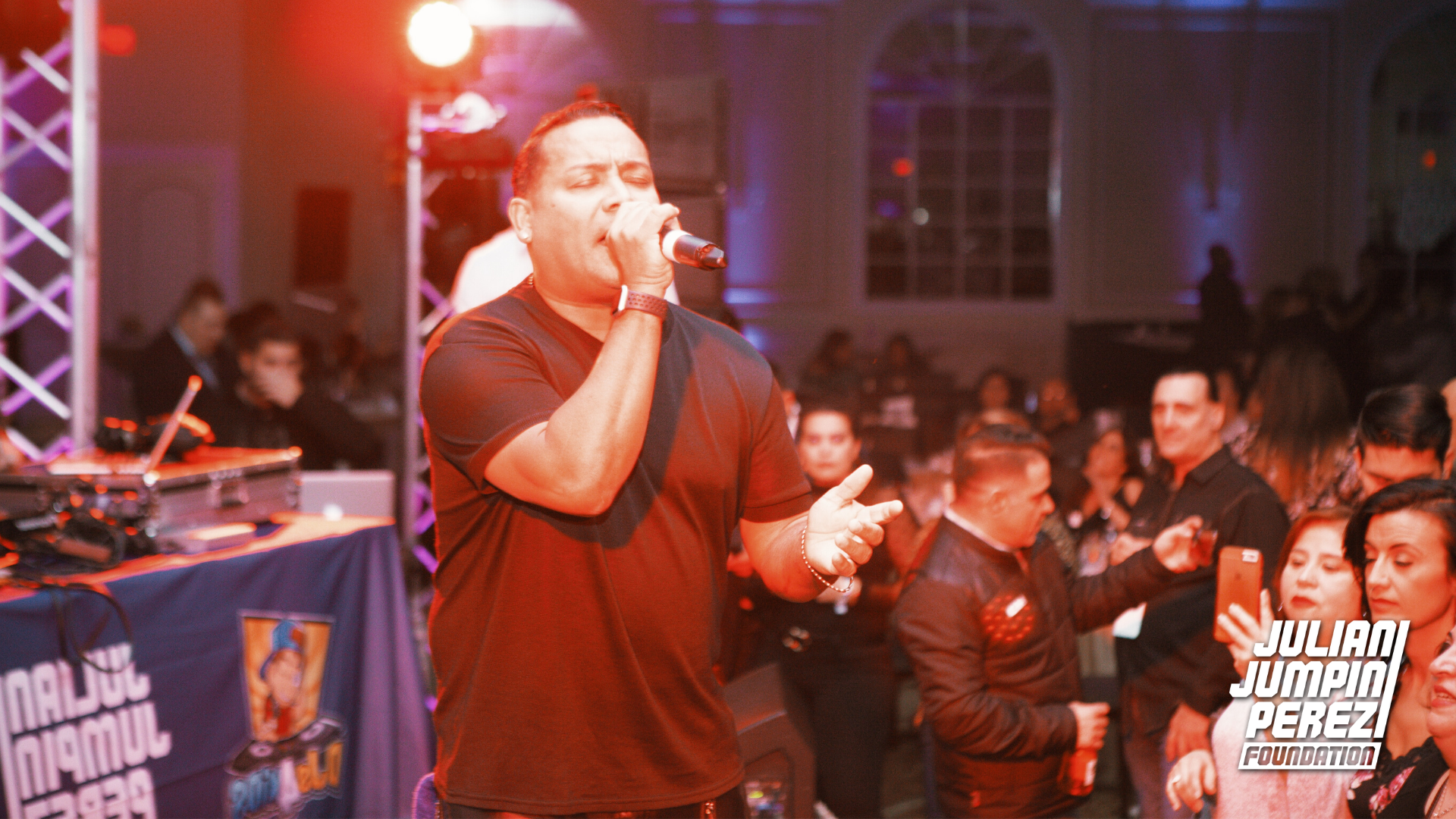 George Lamond performing at Djs4kids Fun
