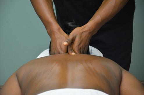 massage-2333202_1920.jpg