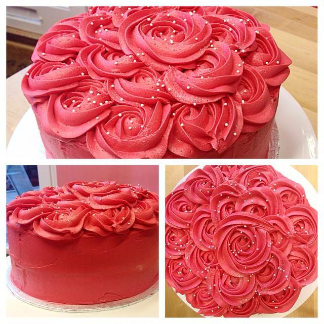 Rosette topped Cake