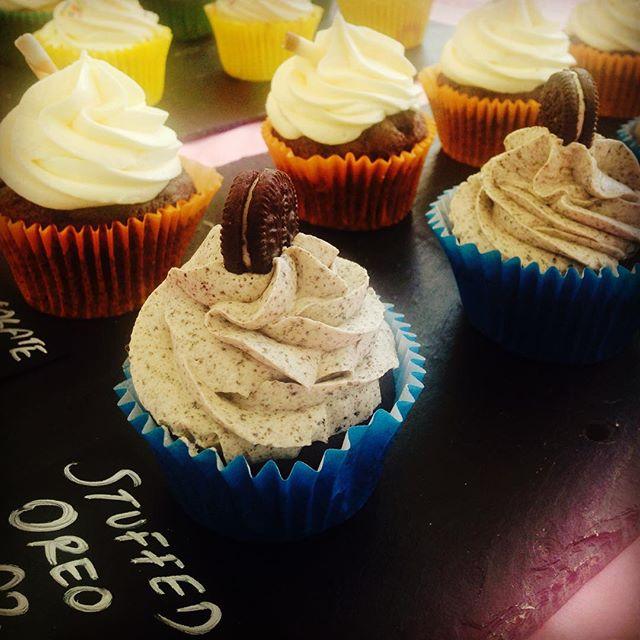 Stuffed Oreo Cupcakes