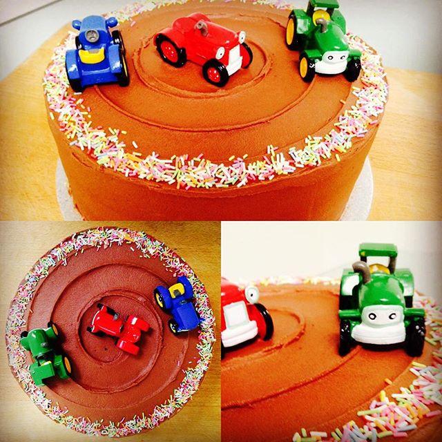 Tractor Racetrack Cake