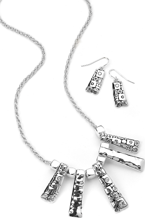 PP15N Geometric Necklace Set