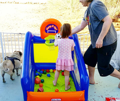 LittleTikes Hoop It Up! Play Center Ball Pit