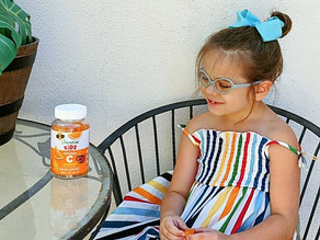 🍊Zelah is always so good about taking her @lifeablehealth vitamin c gummies!