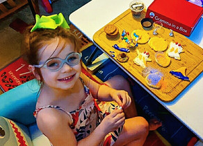 🎃 Zelah had so much fun decorating these Halloween themed cookies & candies!