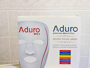 🎭 Have you ever tried a light therapy facial mask? I've been using this Aduro mask!