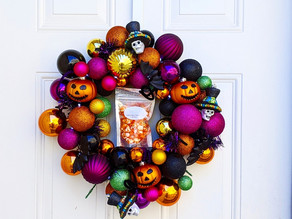 🎃 October is one of our favorite months! We love all the spooky decorations and yummy treats!