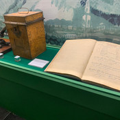 Caderno de fórmulas de medicamentos escritas à mão