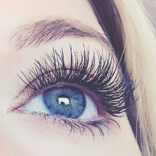 Extreme close up at a hybrid set of lashes...jpg
