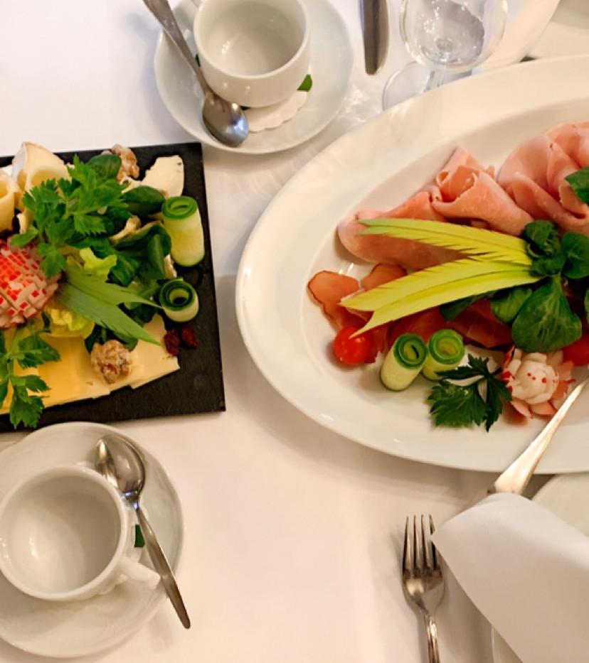 Tisch am Morgen