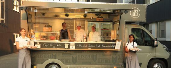 Foodtruck Catering Außenansicht 1.JPG