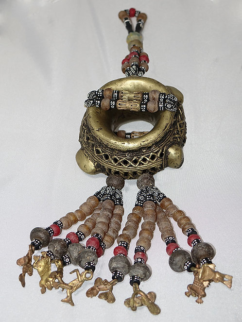Decorative brass bracelet