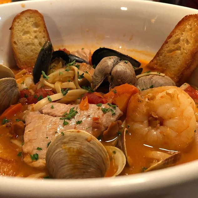Had some amazing Cioppino at the Winter
