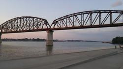 Walking bridge without lights on
