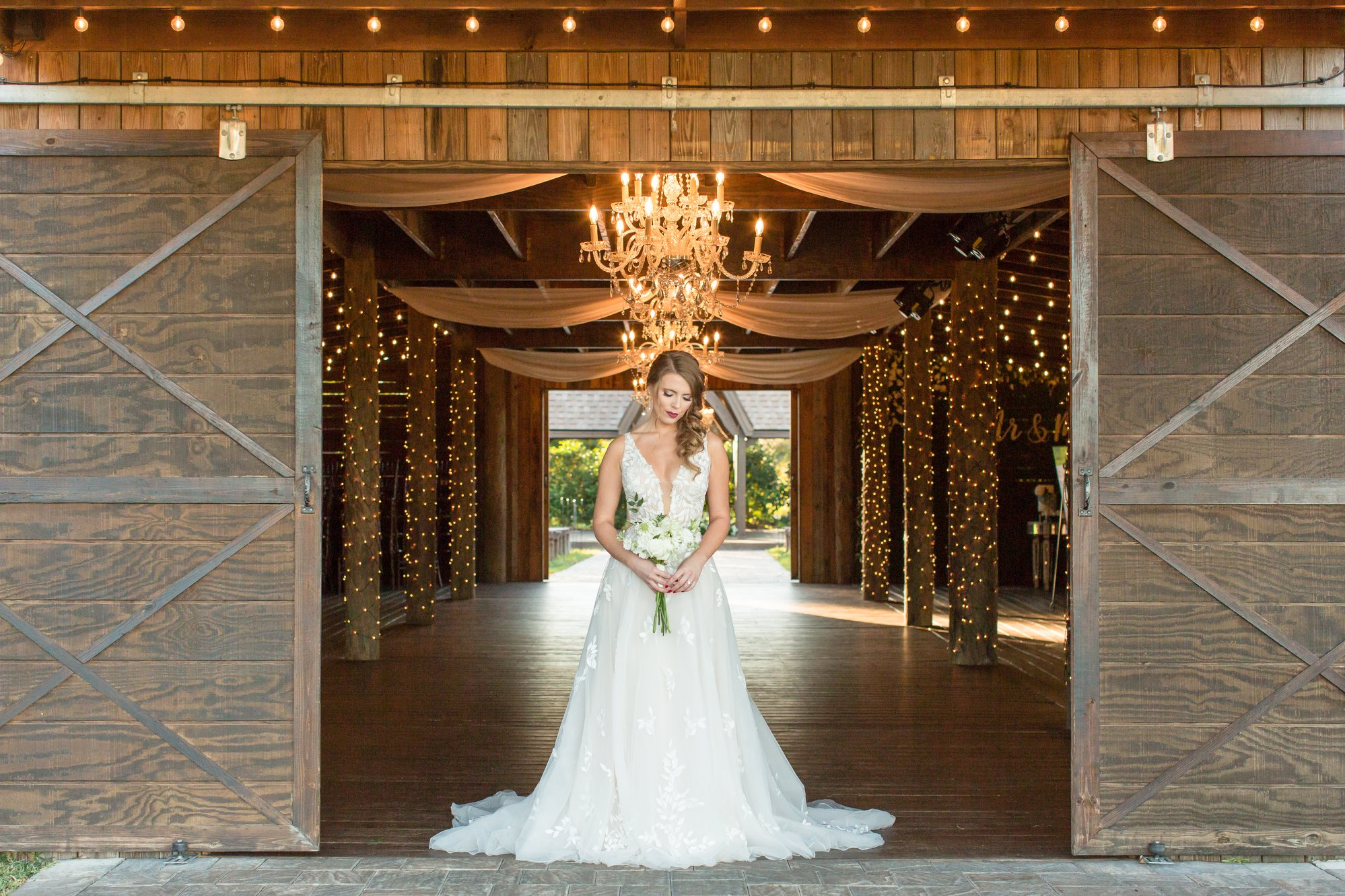 Florida Barn weddings The Enchanting Bar