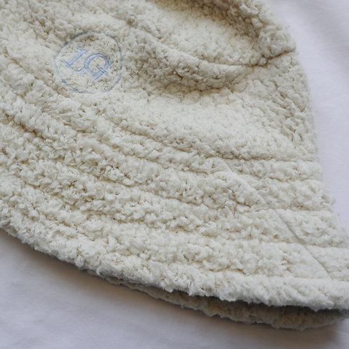 Cream teddy fleece bucket hat