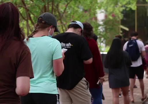 U of SC Freshmen React to Potential Campus Shutdown | SGTV News 4