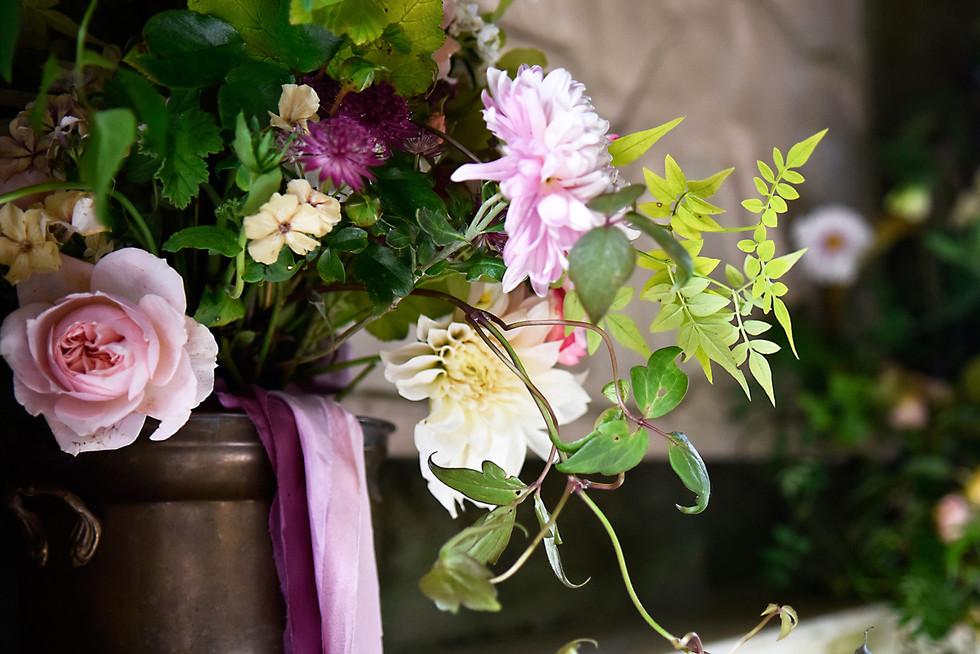 somerset-wedding-flowers-table-display.jpg