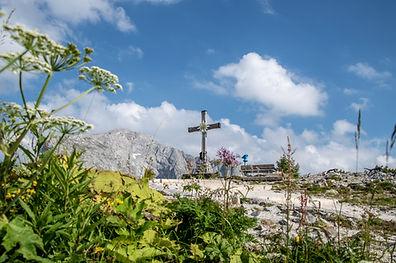 Kehlstein Gipfelkreuz.jpg