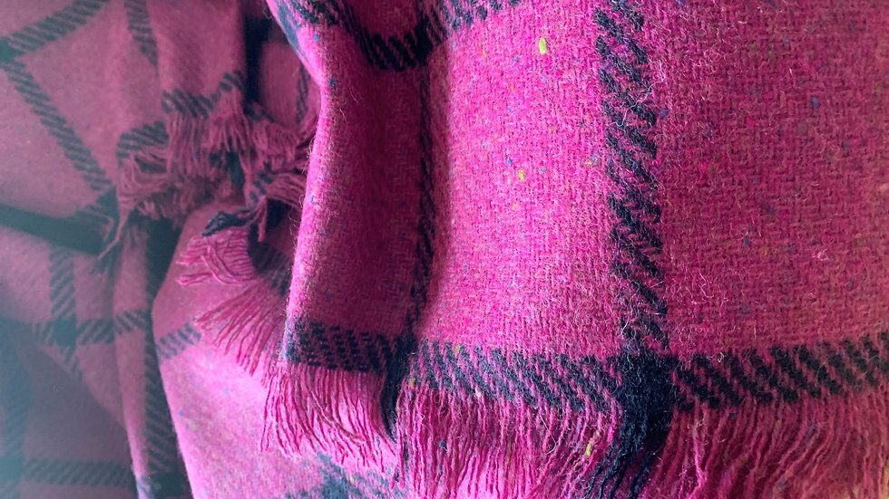 PINK CHECK WOOL THROW