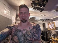 Michael Jon from TWOFEW snaps a selfie