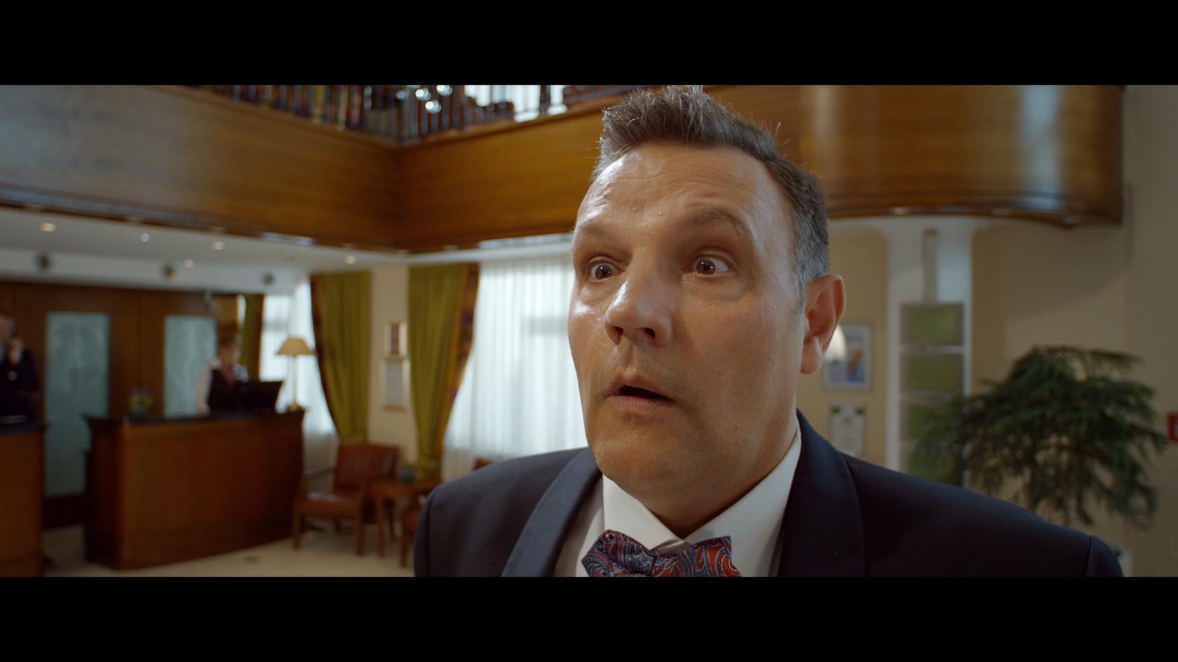 Mario Teschke as Concierge