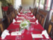 La véranda, parfaite pour vos repas de groupe